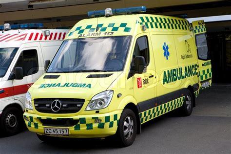 Lu Led Ambulance ambulance udenfor syddanmark stock foto colourbox