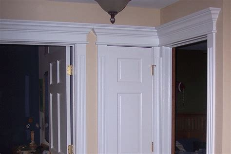 Wainscoting Top Cap Molding by Staircase Foyer Wainscoting Ideas From Wainscoting