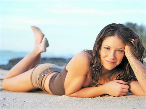 evangeline lilly  images celebrity feet   pose canadian actress