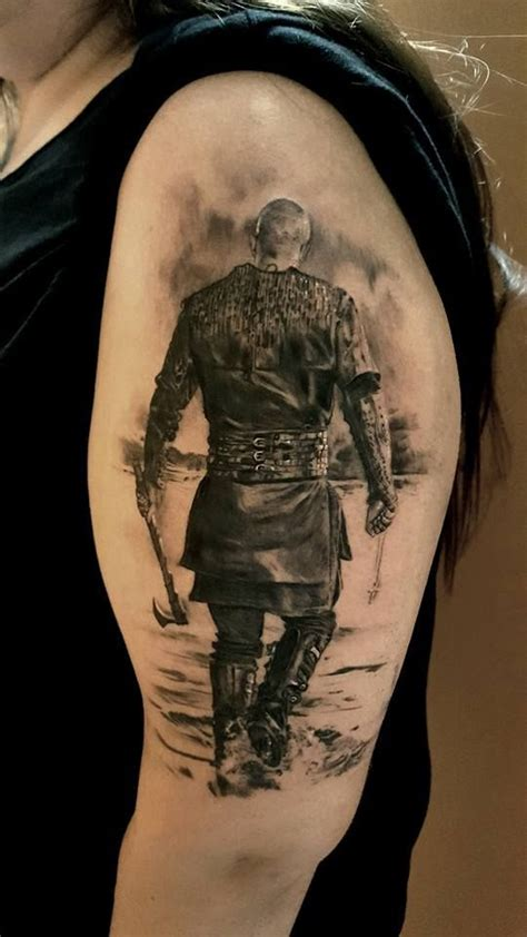 what are ragnars tatoos on the vikings tatuagens de ragnar lothbrok da s 233 rie vikings que v 227 o te