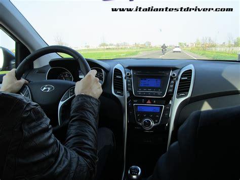 hyundai i30 interni test drive nuova hyundai i30 1 6 crdi da 128 cv