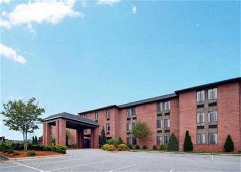 comfort inn lenoir north carolina comfort inn lenoir lenoir deals see hotel photos