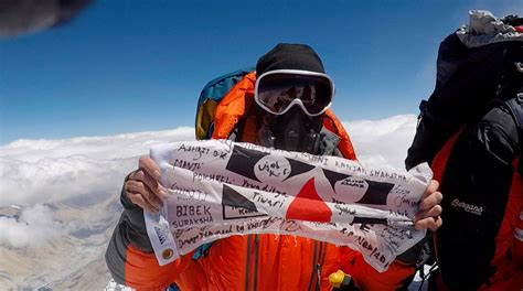 film everest wiki chris bombardier becomes first hemophiliac to summit mount