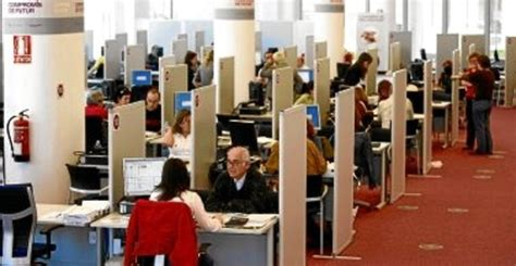 agencia tributaria oficinas barcelona el 7 de declarantes catalanes del irpf se acogen a