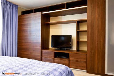 armadi per da letto armadio in legno da letto arredamenti e mobili su