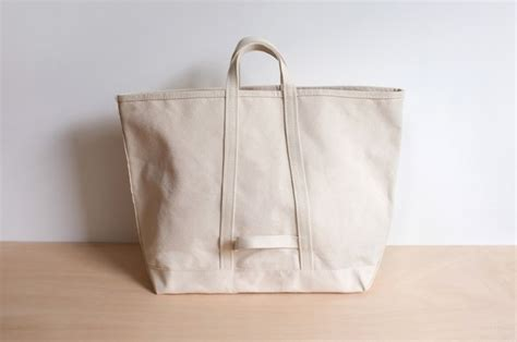 object lessons  classic canvas tote remodelista