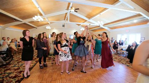 Wedding Bouquet Toss by Tossing The Bridal Bouquet 2014 Wedding Trends