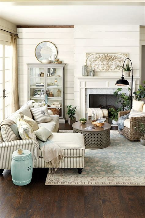 country cottage living room paint colors