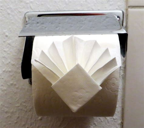 How To Fold Toilet Paper - toilet paper fan fold allaboutlean