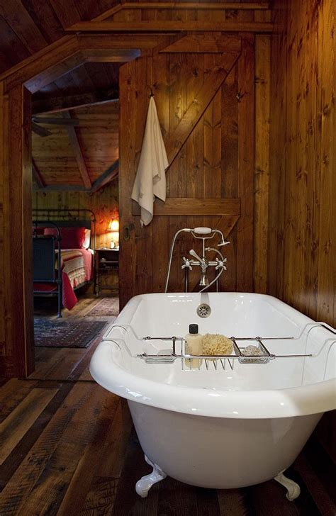 bathroom designs with clawfoot tubs best 25 small cabin bathroom ideas only on pinterest