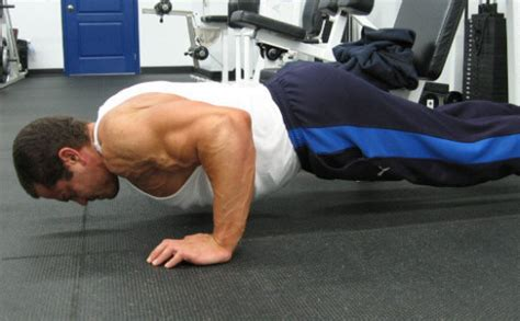 how much does the average male bench press advanced bench press technique shorten your stroke and