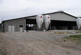 capannone metallico capannoni metallici per allevamenti e stalle allevamenti