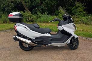 Scooter Suzuki Burgman 650 Executive Review Suzuki Burgman 650 Executive 2016 Road Tests