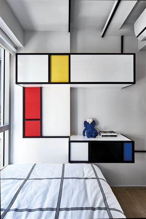 house tours  homes  shipping containers  decor