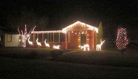 where can we see christmas lights on houses in alpharetta file harrahan lights house 1 jpg wikimedia commons