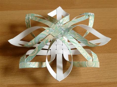 Make Paper Ornaments - how to make a tree ornament step by step