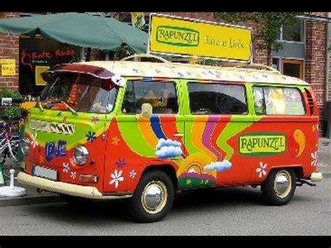 volkswagen minivan 1960 le combi volkswagen le minivan qui a le vent en poupe