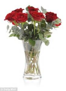 White Lily Vase How Long Will Your Valentine S Roses Last We Put Eight