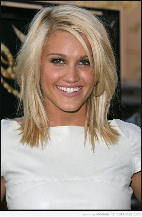2014 short forward style hair cuts 2014 medium hair styles for women over 40 medium short
