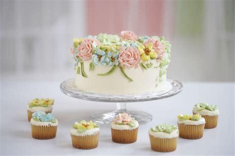 Ausgefallene Geburtstagstorten by How To Make Frosting Flowers Supplies