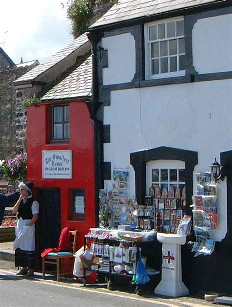 tiny houses wiki file small house conwy jpg wikipedia