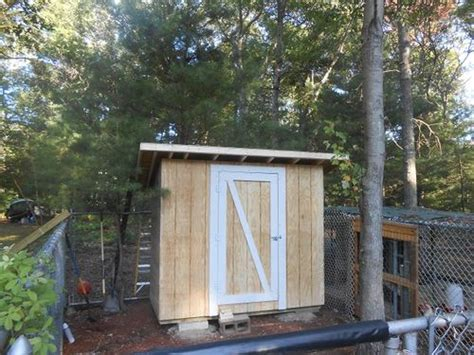 easy backyard chicken coop plans 10 free pallet chicken coop plans you can build in a