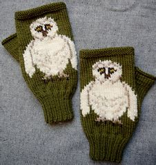 barn owl face fingerless mitts gloves by twistedclassics ravelry barn owl fingerless gloves mitts pattern by