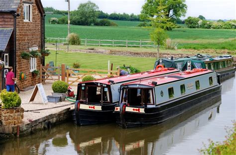 canal boat hire uk oxford luxury narrowboat holidays oxford canal