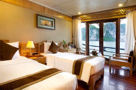 pelican junk boat halong bay halong pelican cruises halong luxury cruise deals