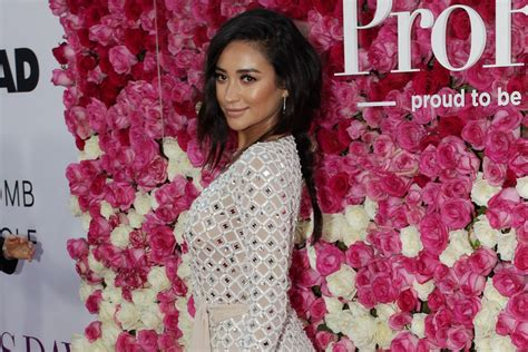 s day premieres 2016 shay mitchell wows in giuseppe zanotti for mother s day