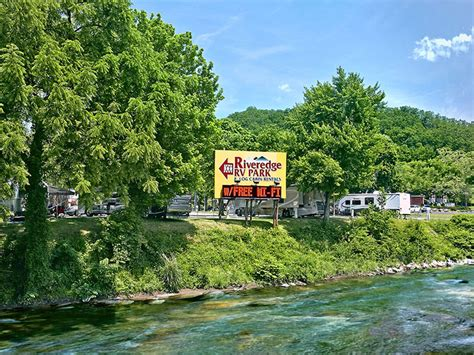 riveredge rv park log cabin rentals pigeon forge