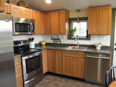 pictures of kitchens with maple cabinets kitchen cabinets online were exactly what i pictured