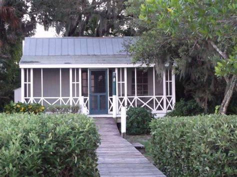 Cabbage Key Cottages by 301 Moved Permanently