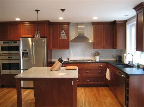 white and cherry kitchen cabinets cherry cabinets with white or red oak floor