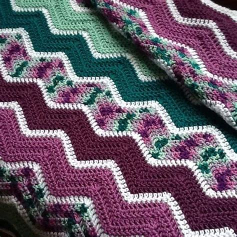 easy zig zag crochet afghan pattern http m wikihow com crochet a zig zag afghan photo by