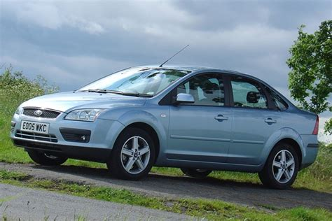 2005 Ford Focus Reviews by Ford Focus Saloon Review 2005 2009 Parkers