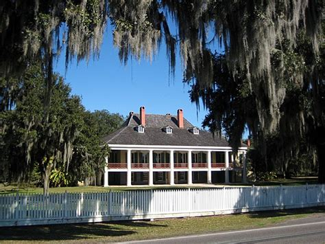 explore louisiana s historic river road plantations