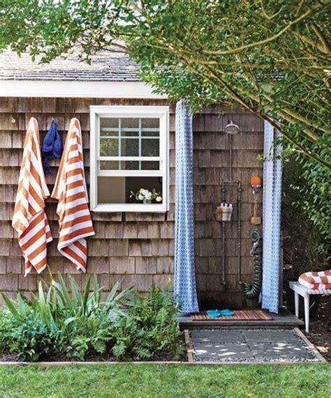 Solar Shower Diy by 10 Diy Outdoor Pallet Shower Ideas Pallets Designs