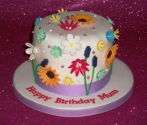 torte di pasta di zucchero con fiori torta con i fiori foto pourfemme
