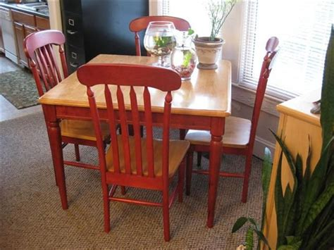 Kitchen Table Chairs With Arms by 17 Best Ideas About Kitchen Tables On