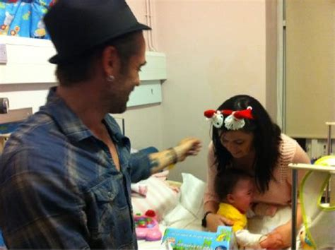 St Kid Farrel colin farrell brings presents to dublin children s hospital oh no they didn t