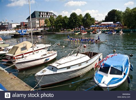 dragon boat racing llys y fran dragonboat stock photos dragonboat stock images alamy