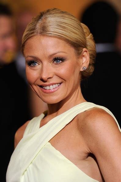 how to get curls like kelly ripa how to get kelly ripa curls newhairstylesformen2014 com