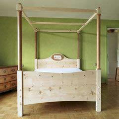 Schlafzimmer Modern Einrichten 3217 by Himmelbett Aus Zirbenholz Mit Birnbaums 228 Ulen Oval Aus