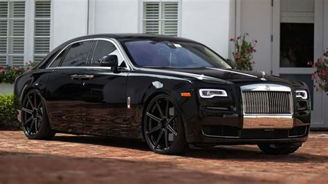 rolls royce ghost vs vs wraith chrome