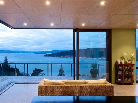 sea view home built   slope  wellington idesignarch
