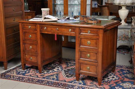 scrivania luigi xvi scrivania in stile luigi xvi in ciliegio a 9 cassetti