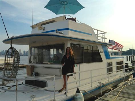 houseboats nyc 13 best houseboats of new york images on pinterest