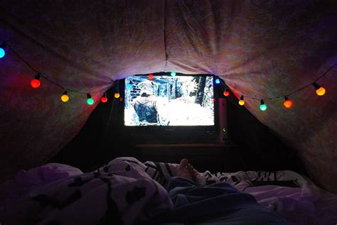 5 steps to building your own epic blanket fort weekend activity build your own epic blanket fort