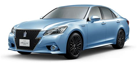 toyota crown toyota crown 60th anniversary comes in bright green and